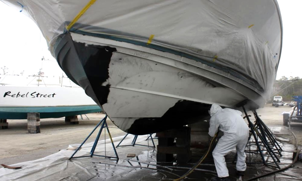Ship Cleaning Services : Hull cleaning service anti fouling paint removal
