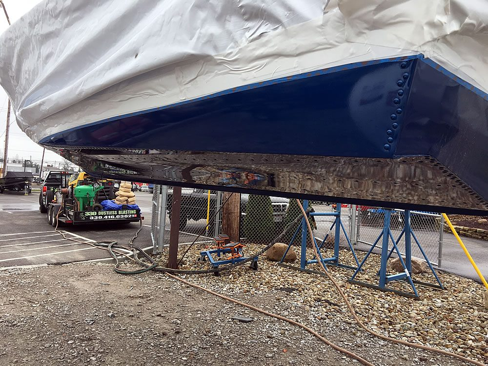 330 Dustless Blasting - Marine Hull Preparation