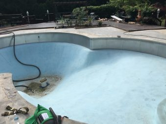 Residential Pool Paint Removal - 330 Dustless Blasting